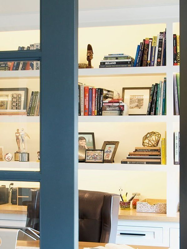 A Home Office Remodel (+ Tips for Styling Bookshelves)