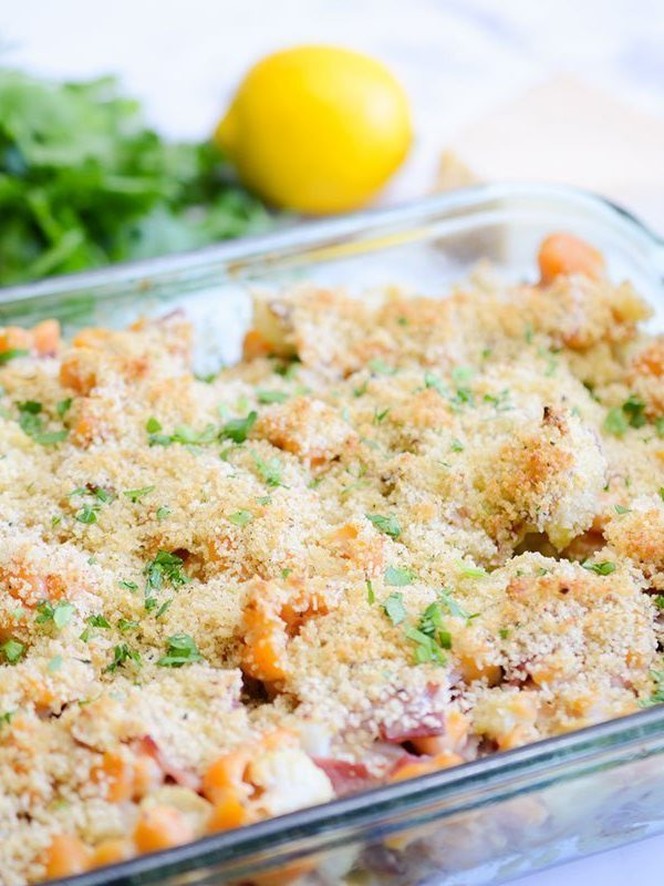 Creamy roasted cauliflower pasta bake
