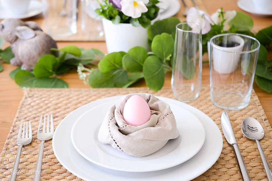 place setting for Easter table decor
