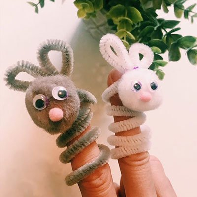 Bunny Finger Puppets from Family Focus Blog