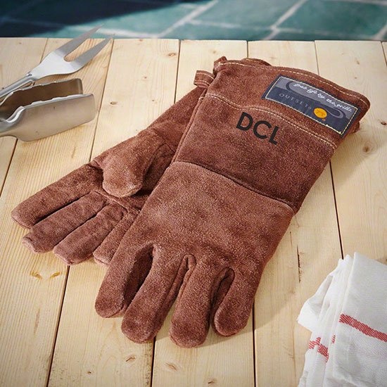 Personalized leather grilling gloves by OnlyGiftsDotCom